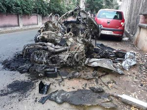18-1489816955-ashwin-sundar-accident-car